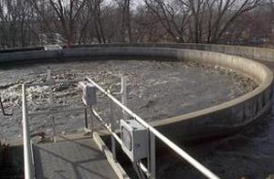 Groot hoeveelheid rou riool wat daagliks in dié rivier gestort word